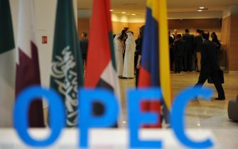 Participants gather in the lobby ahead of an informal meeting between members of the Organization of Petroleum Exporting Countries, OPEC, in the Algerian capital Algiers, on September 28, 2016. / AFP / Ryad Kramdi        (Photo credit should read RYAD KRAMDI/AFP via Getty Images)