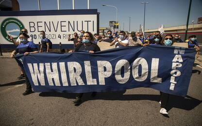 """Napoli, manifestazione lavoratori Whirlpool: """"Salvaguardare lavoro"""""""