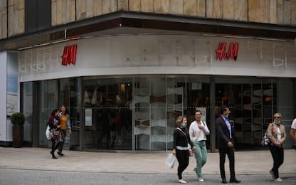 Sindacati: no ad esuberi H&M in Italia