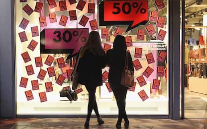 Saldi: Confcommercio, calendario impazzito e spesa giù del 40%