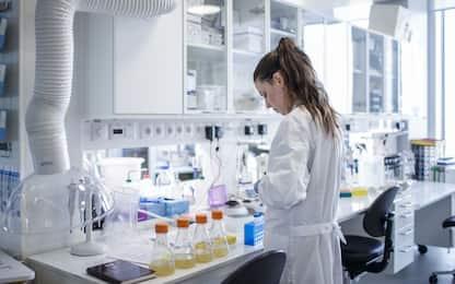 """La ricerca: I materiali diventano trasparenti """"calciando"""" gli atomi"""