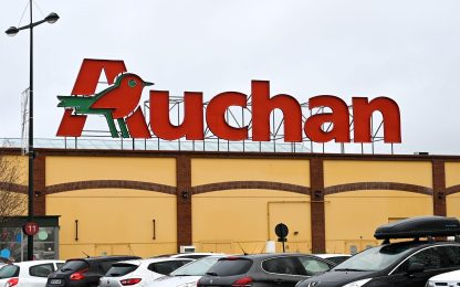 Manifestazione ex dipendenti Auchan nel Napoletano