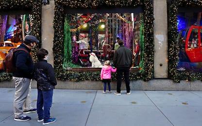 Natale, Confcommercio: spesa regali giù del 18%