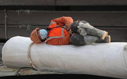 Inail, più di 100.000 infezioni Covid sul lavoro, 366 morti