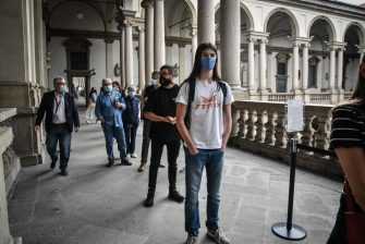 Visitors wait to entry  after reopening of the Pinacoteca di Brera after the lockdown due to the Coronavirus Covid-19 pandemic in Milan, Italy, 09 June 2020.  Ansa/Matteo Corner
