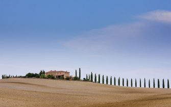 ITALY - SEPTEMBER 23:  Typical Tuscan farmhouse and landscape in Val D'Orcia, Tuscany, Italy  (Photo by Tim Graham/Getty Images)