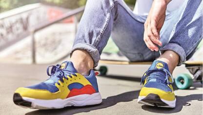Tutti pazzi per le scarpe Lidl da 13 euro, i meme più divertenti