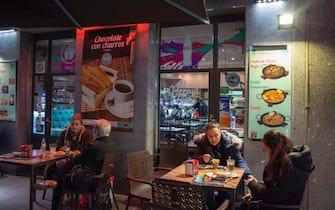 Churros with chocolate in a restaurant in Preciados street in Madrid city center, Spain (Photo by Sergi Reboredo/Sipa USA) (Madrid - 2019-03-05, Sergi Reboredo / IPA) p.s. la foto e' utilizzabile nel rispetto del contesto in cui e' stata scattata, e senza intento diffamatorio del decoro delle persone rappresentate