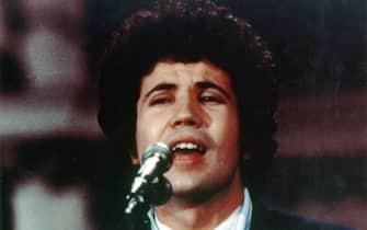 Una foto degli anni '70 di Lucio Battisti.  ANSA