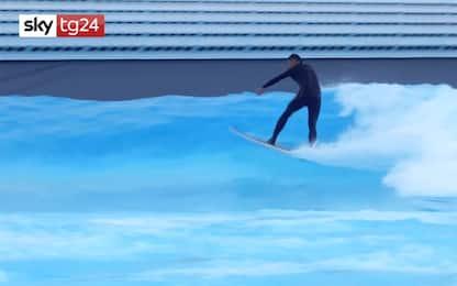 In Svizzera si fa surf in piscina, ecco l'onda artificiale di Sion