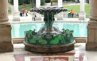 Una fontana all'interno delle terme di Montecatini