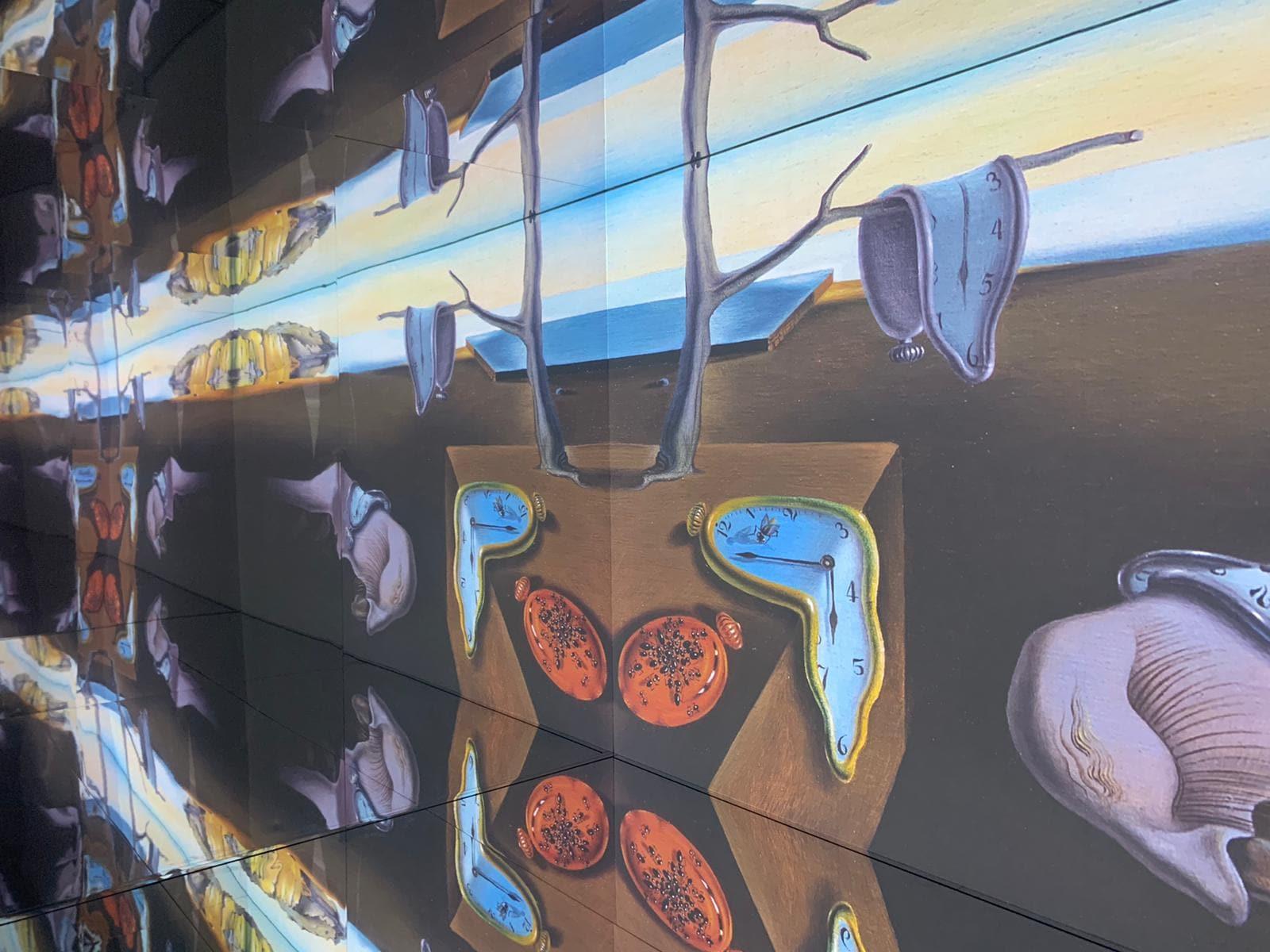 """Allestimento della mostra """"Inside Dalì"""""""