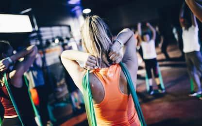 Esercizi con elastici fitness, ecco quali sono i più efficaci
