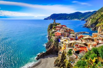 In foto uno scorcio della cosat di Verrazza, nelle Cinque Terre