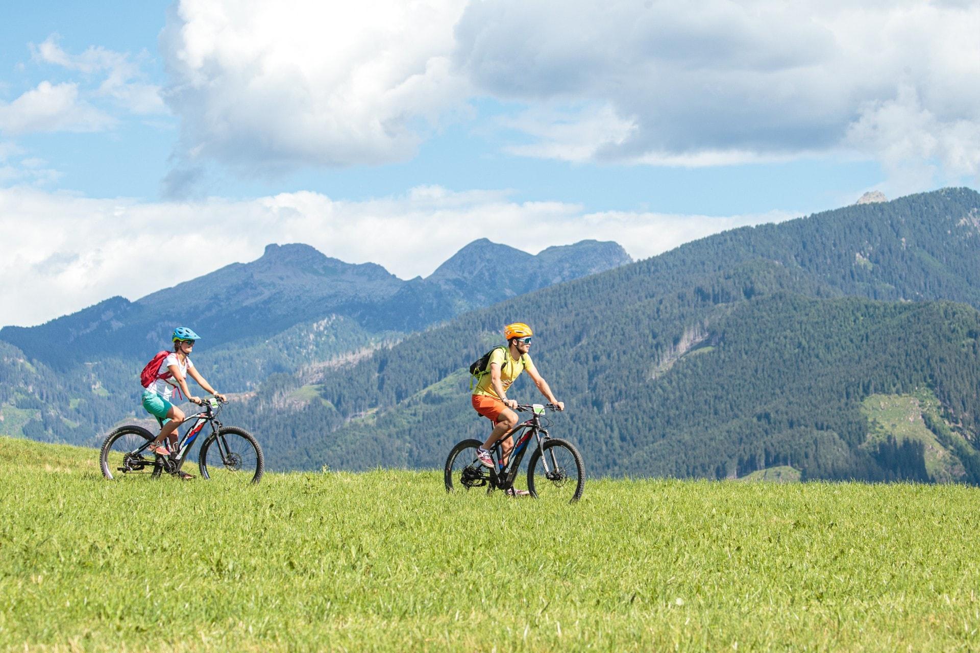 Tra le attività da praticare in Val di Fiemme, i tour in mountain bike