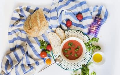 Gazpacho, la ricetta originale della zuppa fredda tipica Andalusa