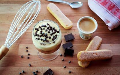 Crema al mascarpone senza uova, la ricetta veloce del dessert