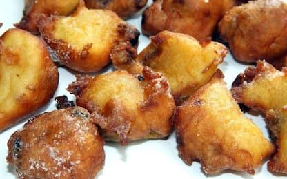 Carnevale, come preparare le frittelle: la ricetta