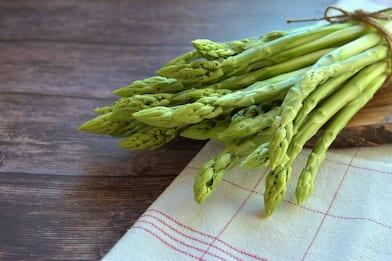 Risotto agli asparagi selvatici, la ricetta facile e veloce