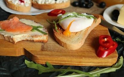 Come fare l'uovo in camicia, la ricetta passo per passo