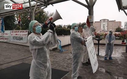 Coronavirus Milano, protesta dei sindacati al San Raffaele. VIDEO