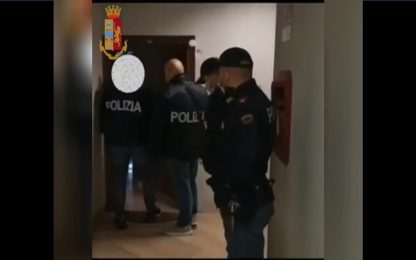Uomo ferito con due colpi di pistola nel Milanese: tre arresti
