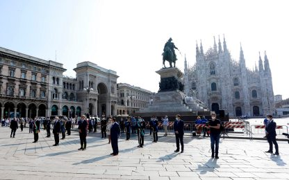 2 giugno, a Milano cerimonia dell'alzabandiera in piazza Duomo