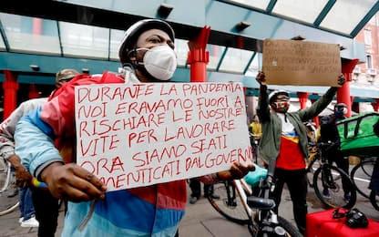 Milano, continua protesta rider contro Trenord: oggi nuovo presidio