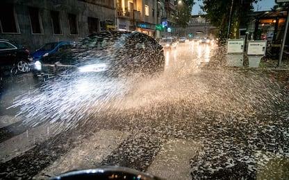 Salerno, maltempo in Costiera Amalfitana: allarme per bombe d'acqua