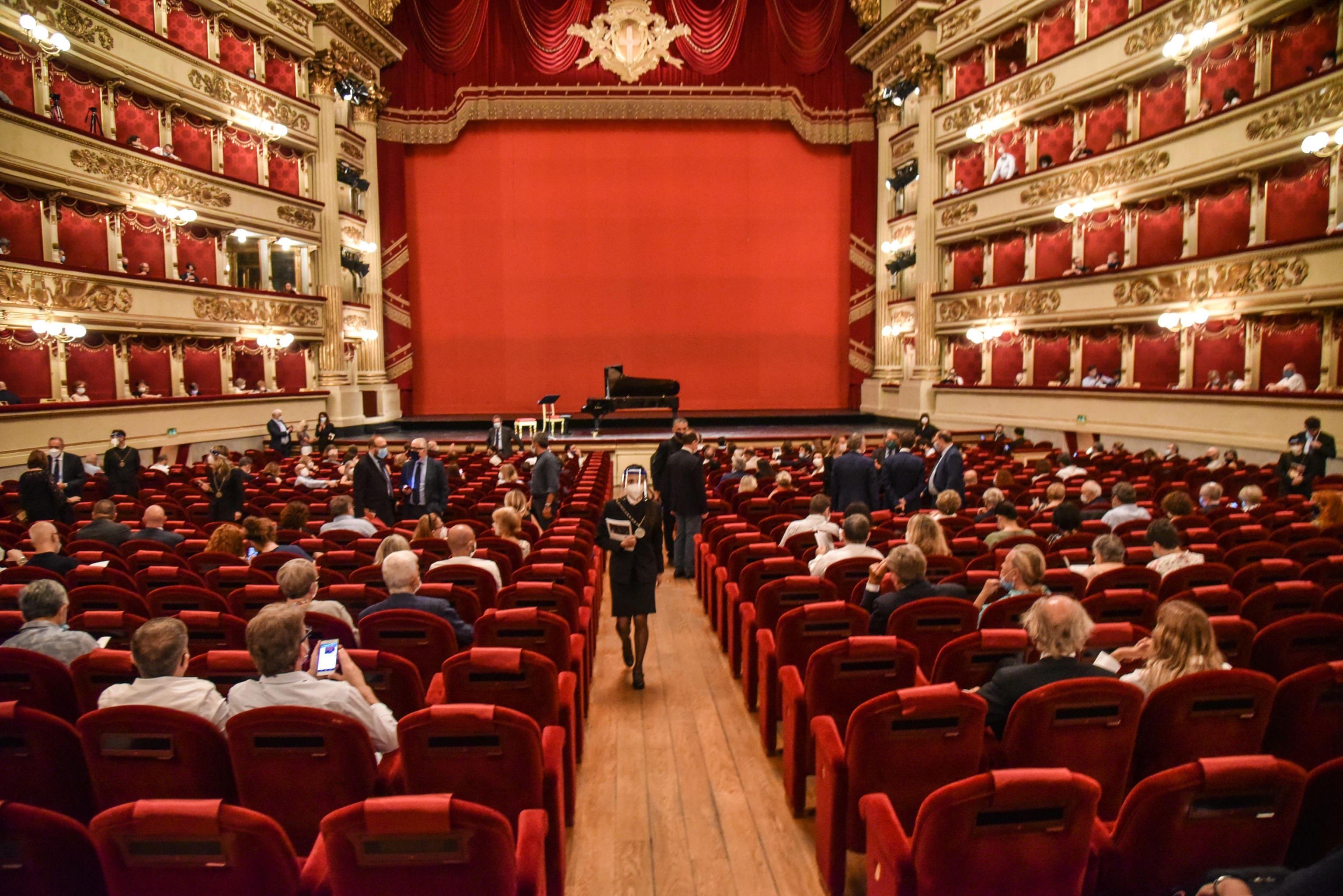 Teatro alla Scala, rinviata la presentazione della nuova stagione