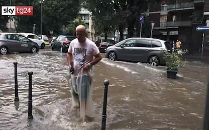 Milano, esonda il Seveso: strade allagate in città. VIDEO