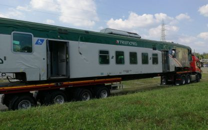 Treno deragliato a Carnate: sospesi macchinista e capotreno