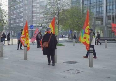 Milano, protesta dei sindacati di base davanti a Regione Lombardia