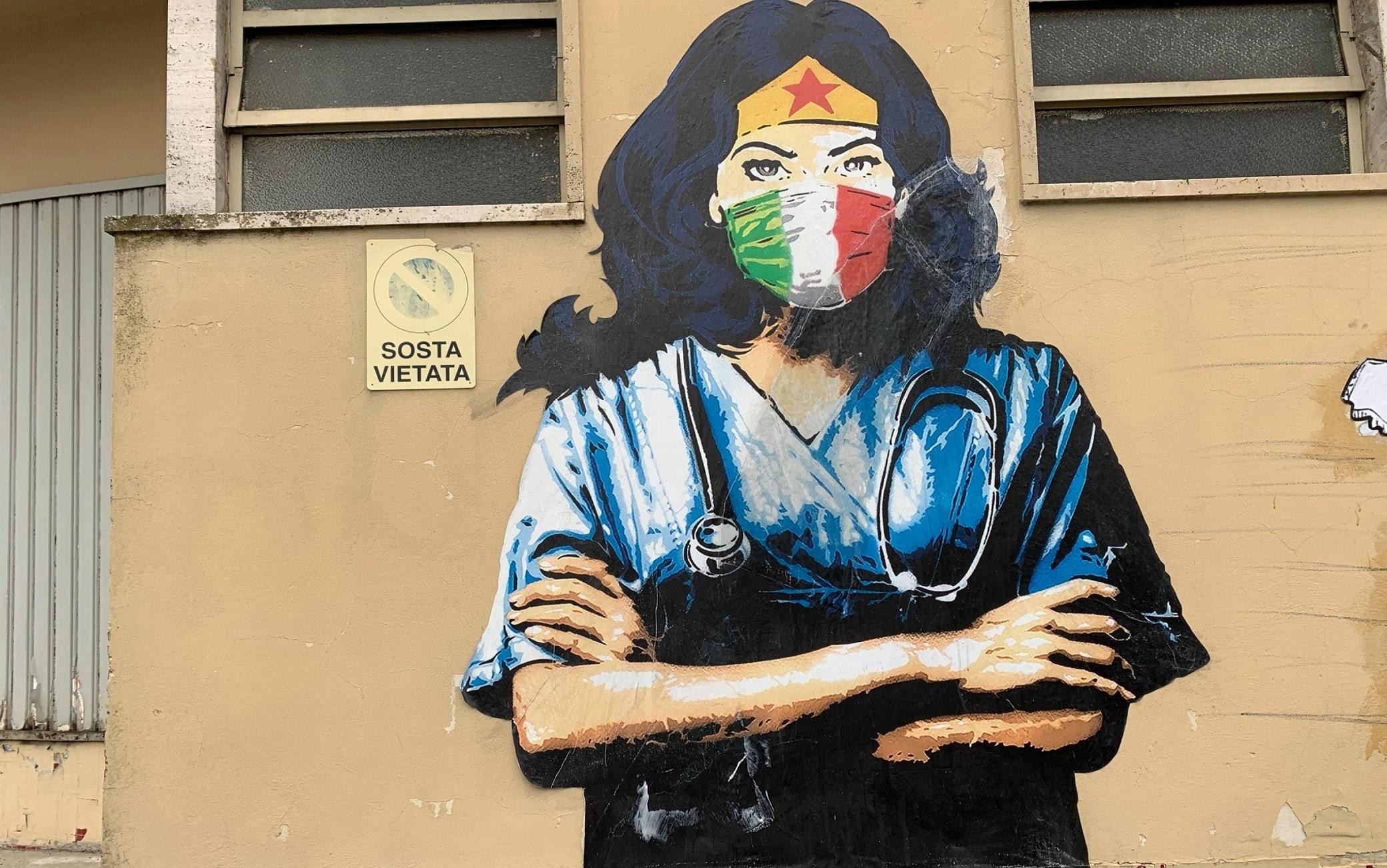 Il murale con la Wonder Woman anti  Covid a Codogno