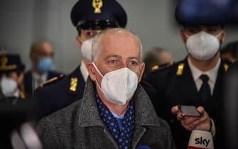 Il capo della polizia Franco Gabrielli visita líospedale centro vaccini in Fieramilano a Milano, 22 Febbraio 2021. Ansa/Matteo Corner