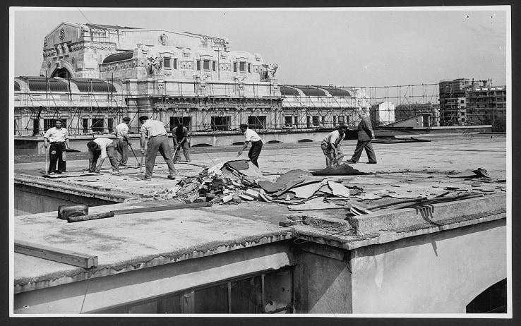 Smantellamento dei fabbricati del primo stabilimento Pirelli, 1955