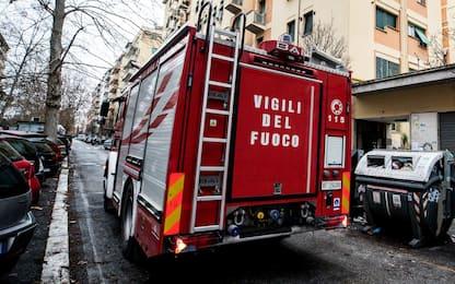 Incendio nell'Oltrepò pavese, distrutto il tetto di una canonica