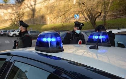 Misinto, cocaina in pollaio e 26mila euro in casa: arrestato 30enne