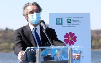Il presidente della regione Lombardia in occasione dell'apertura del centro vaccinale di Varese, 3 Aprile 2021ANSA / MATTEO BAZZI