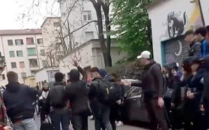 Milano, scontri con polizia dopo videoclip: indagati due rapper