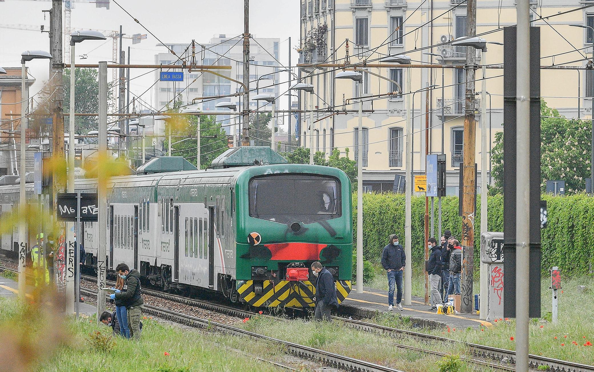 Convoglio ferroviario Trenord bloccato nella stazione di Porta Romana a seguito di azione da parte di antagonisti No Tav,   27 Aprile,  2021,  ANSA/Andrea Fasani