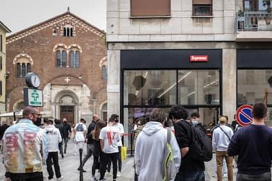 Milano, Supreme apre oggi primo negozio: t-shirt per celebrare evento