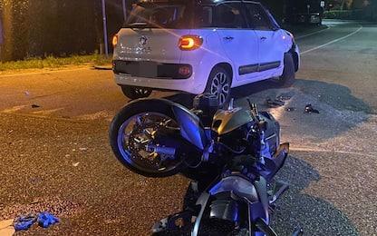 Incidente stradale ad Arcore, auto contro moto: morta 31enne