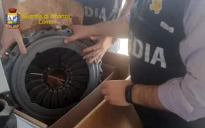 Como, scoperta fabbrica di pezzi di ricambio contraffatti per veicoli