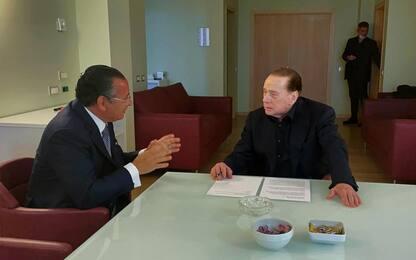 Milano, Silvio Berlusconi dimesso dall'ospedale San Raffaele