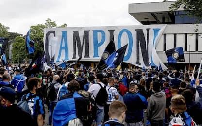 Milano, festa Inter: oltre un migliaio di tifosi fuori da San Siro