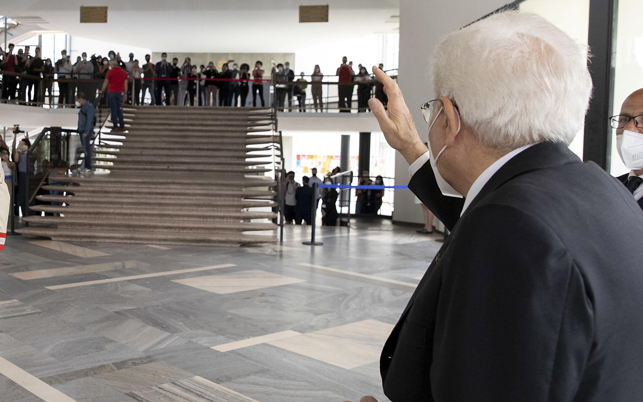 Il Presidente della Repubblica Sergio Mattarella alla cerimonia per l'anno accademico 2020- 2021 dell'Università degli Studi di Milano risponde al saluto degli studenti, Roma, 8 Giugno 2021. ANSA/US/QUIRINALE/PAOLO GIANDOTTI