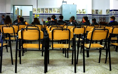 Coronavirus Spagna: a settembre ipotesi solo metà alunni in classe