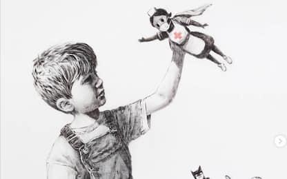 Coronavirus, Banksy dedica un murales a medici e infermieri