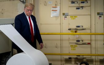 US President Donald Trump tours a Honeywell International Inc. factory producing N95 masks during his first trip since widespread COVID-19 related lockdowns went into effect in Phoenix, Arizona on May 5, 2020. (Photo by Brendan Smialowski / AFP) (Photo by BRENDAN SMIALOWSKI/AFP via Getty Images)